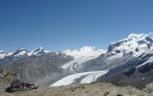 ゴルナー氷河とモンテローザ