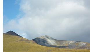 ラックスモア山