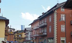 高級山岳リゾート・レッヒとコルティナに連泊